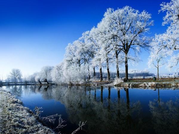 Beautiful Winter Scenery Desktop