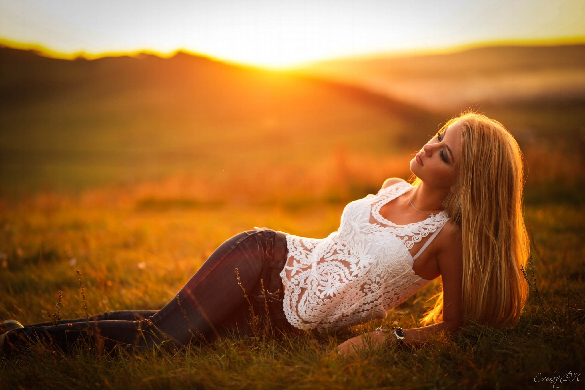 Blonde Girl In The Woods Wallpapers Maria Girl Model Sunset View Fashion Hair Blonde Lies
