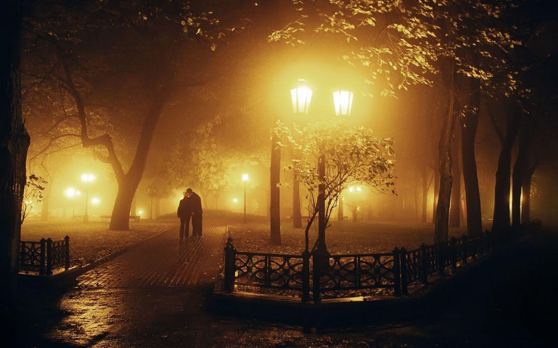 Free Animated Falling Leaves Wallpaper Tree Night Lamb Couple Love Romantic Mood Fog Kiss