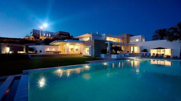 Holiday Luxury Villa