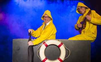 "WallStreetTheatre ""All inclusive"" - Flucht im Boot"