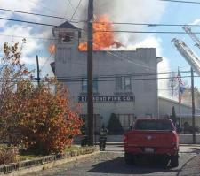 11-2-2014-fire-at-diamond-fire-company-from-phil-acker-walnutport