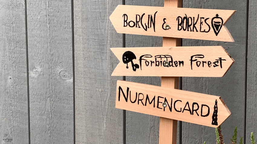 Free template for a Harry Potter themed signpost #harryPotter #freedownload #templage #signpost #diy #crafts #darkarts
