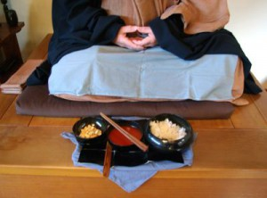 Oryoki bowls open and ready.