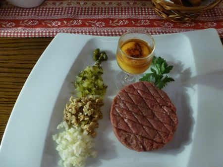 Chełmno steak tartare.