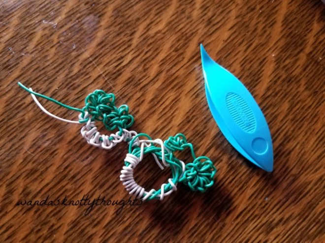 tatting with wire on wandasknottythoughts