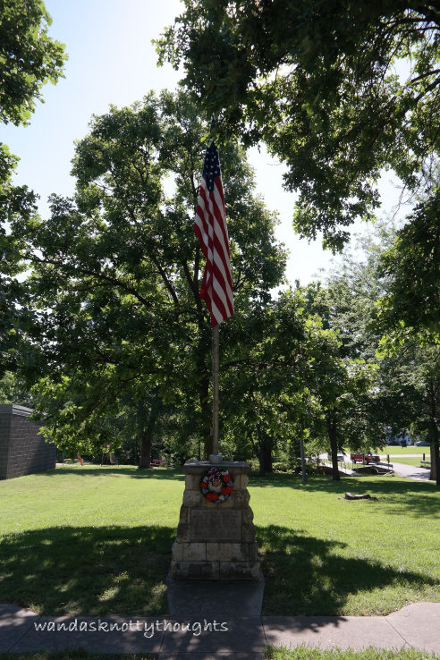 Memorial decorated for Memorial Day 2017 on wandasknottythoughts