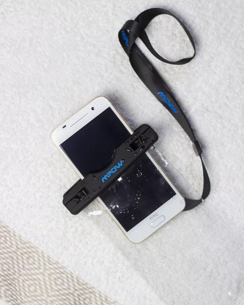 Wasserfeste Hülle Smartphone MPOW nach dem Test
