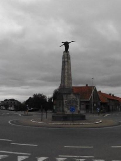 monument Georges Guynemer in Poelkapelle