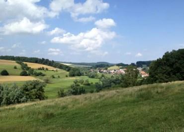 Auf den letzten Kilometern zum Kloster Hornbach