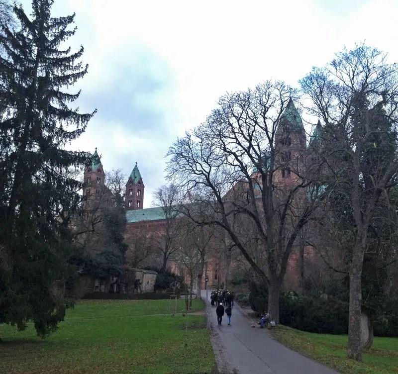 Weg zum Speyer Dom