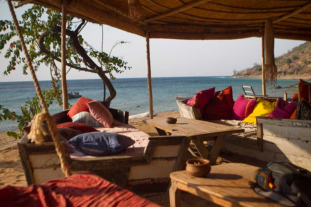 Likoma Mango Drift terrasse on the beach