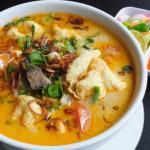 Soto Betawi zupa kuchnia indonezja