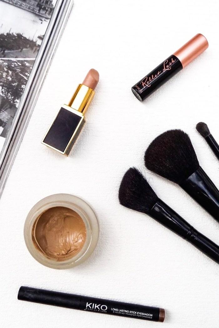 Kosmetyczka podróżniczki – jakie kosmetyki zabrać w podróż?