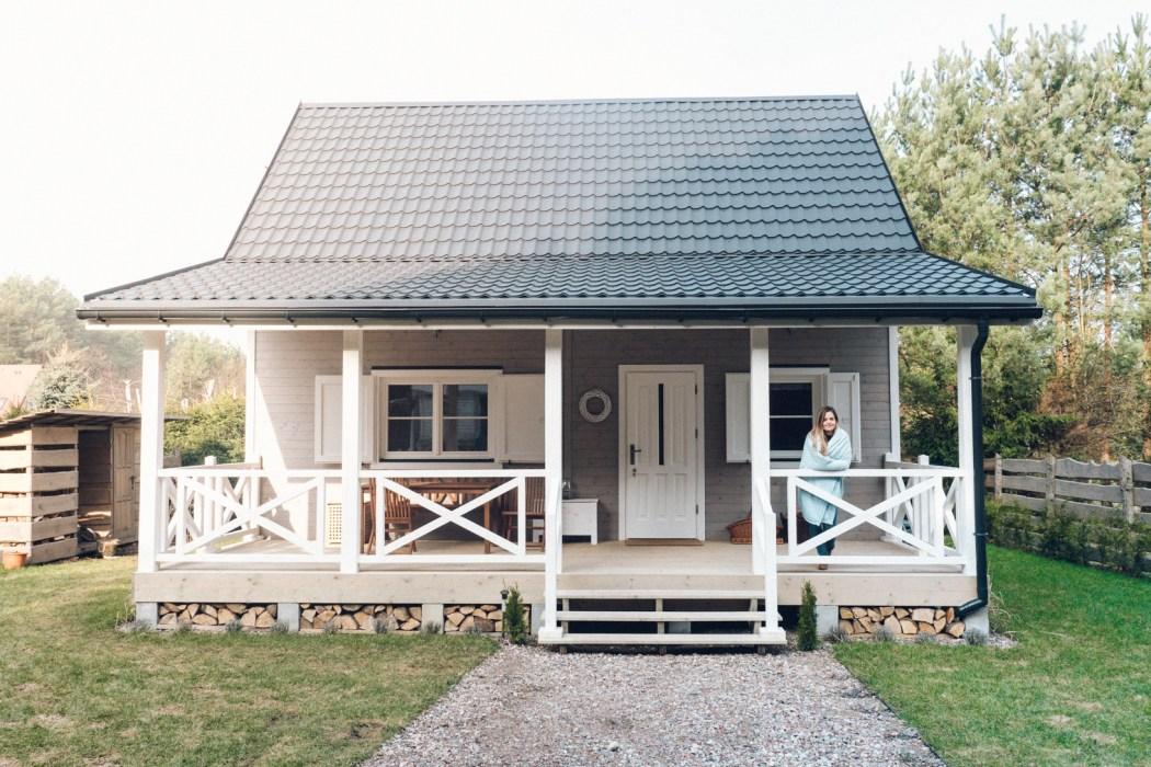 Chatka pod Sosnami, czyli rodzinny domek na skraju lasu i morza