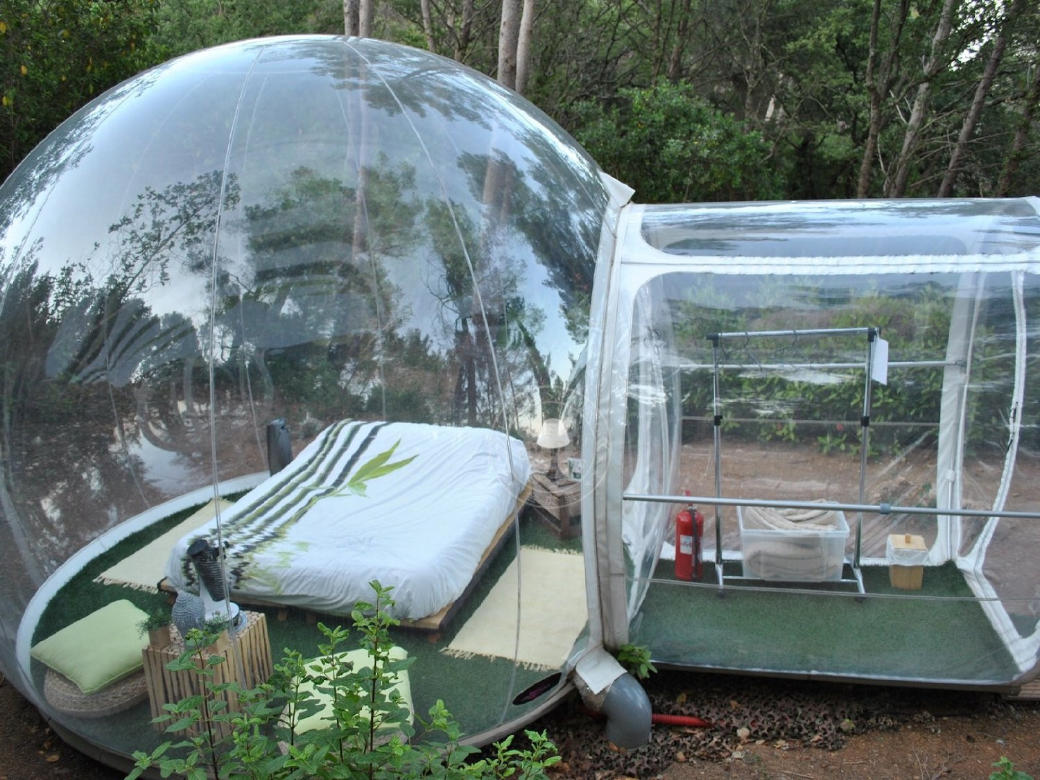 Outdoor Single Tunnel Inflatable Bubble Tent best portable tents & Check Out This Crazy One Tunnel Inflatable Bubble Tent | WanderGoGo