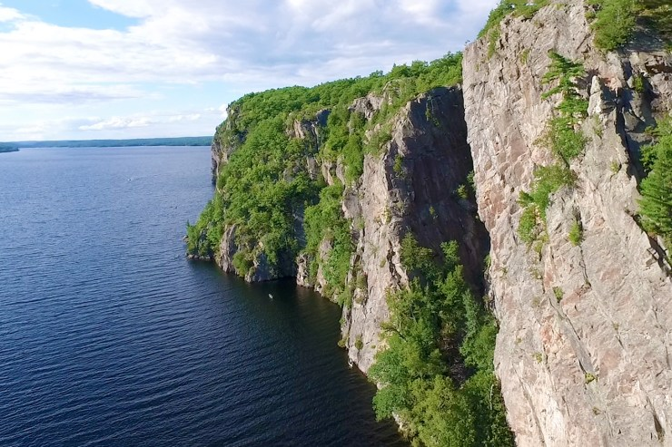The cliffs of Bon Echo Provincial Park - Top things to do in Bon Echo Provincial Park