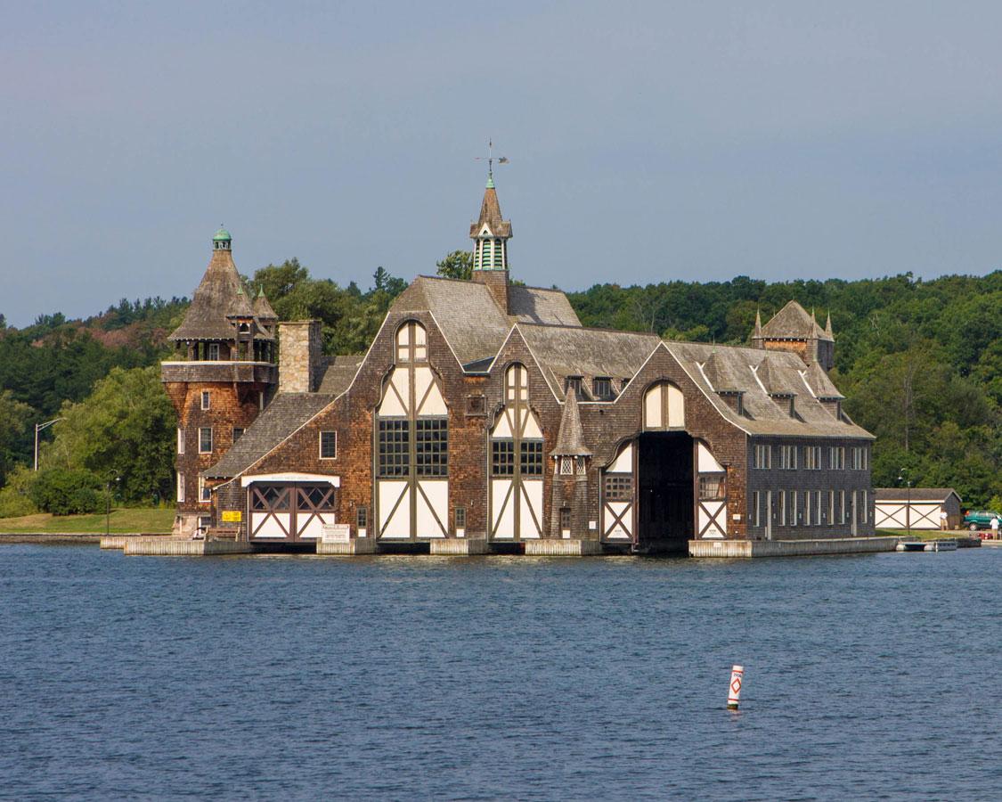 Yacht House of Boldt Castle