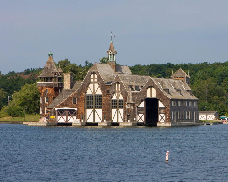 Yacht House of Boldt Castle
