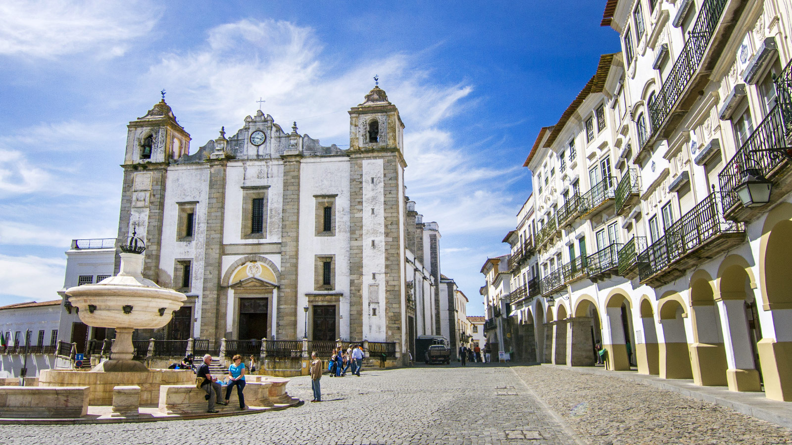 Why We Don T Recommend A Day Trip To Evora Portugal