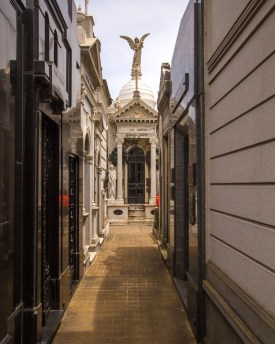 An alley lined with tombs at Recoleta cemetary, one of our Buenos Aires highlights.