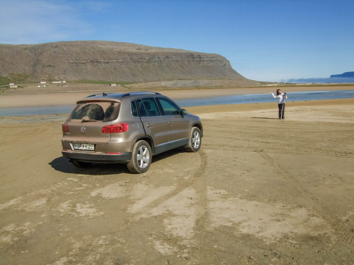 Iceland-Parked-at-the-beach