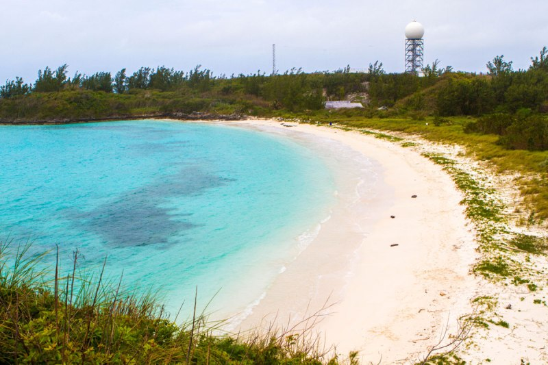 Beach in Coopers Island nature reserve. This quiet reserve makes a perfect place to stop in Bermuda with kids