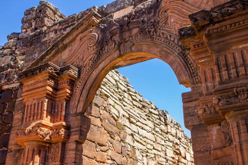 Detailed doorway arch above the San Ignacio Mini ruins in Argentina