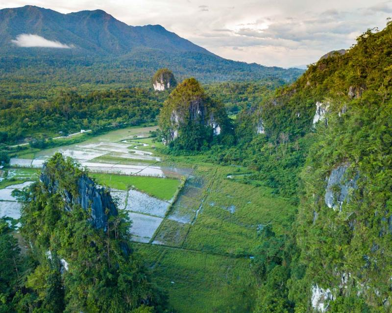 Mountains surrounding Elephant Cave in Puerto Princesa Philippines