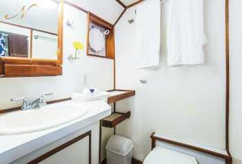 under_sea_bathroom_0_dJd7o