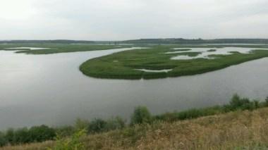 Weit schlängeln sich große Ausläufer der Wolga ins umgebene Land, quer durch Tatarstan macht die mächtige Wolga hier als größter Stausee Europas, die Region zu einer der Wasserreichsten im Riesenland.