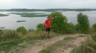 Da ganz hinten sehe ich das Inseldorf Swiaschsk, inmitten der Wasserlandschaft einer im wahrsten Wortsinn ausufernden Wolga.