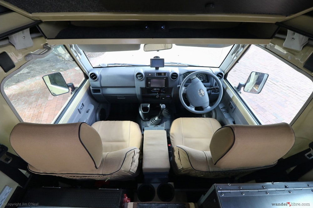 Land Cruiser Troopy Front Cabin