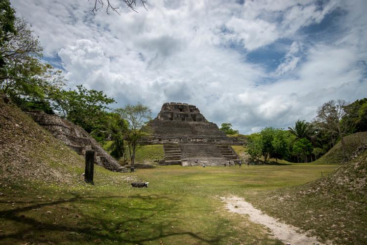 Mayan Ruins, how do you say it? Xunantunich