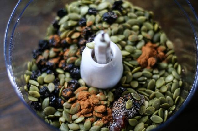 nut-free blueberry energy bars