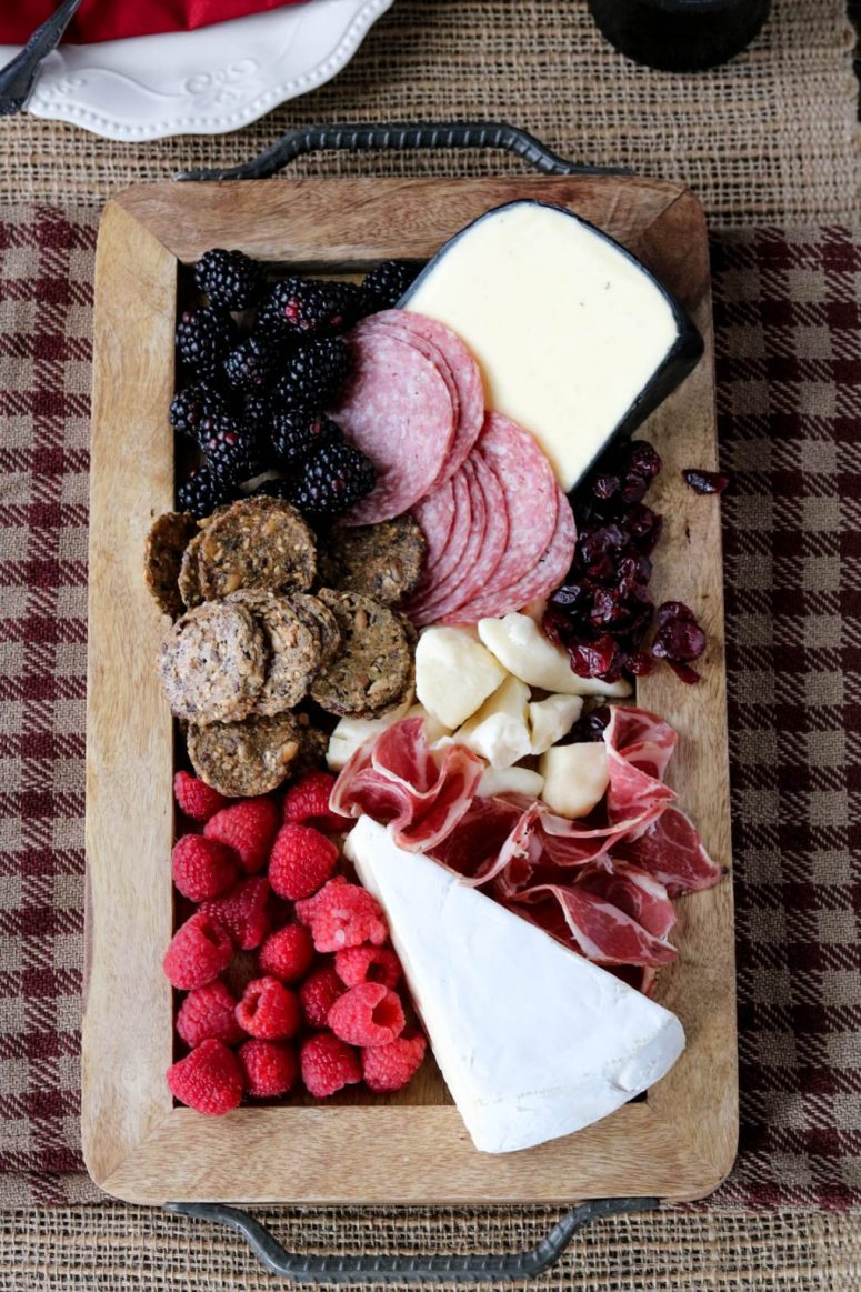 Thanksgiving-meat-and-cheese-board