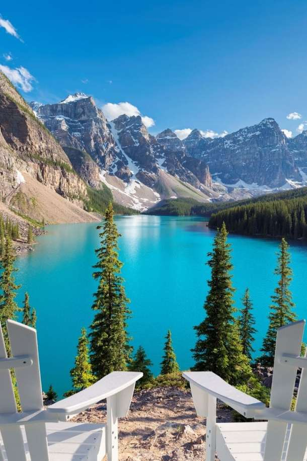 The best time to visit Alberta for views like this is the summer