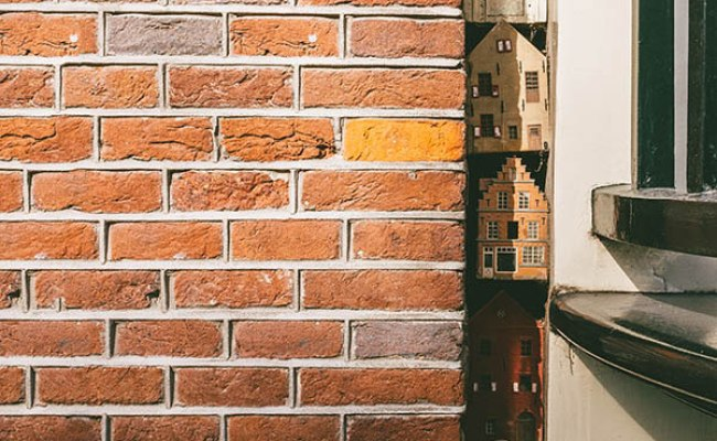 The Tiny Hidden Houses In Amsterdam That You Must Find