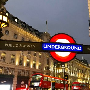 piccadilly circus 3