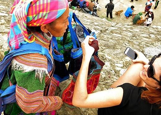 Colourful-Vietnam-Markets---Bac-Ha-Markets-Feature