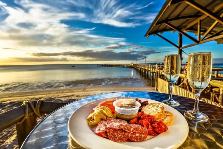 Book Your Luxurious Stay in Kingfisher Bay Resort Fraser