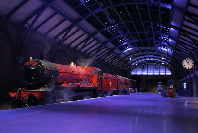 Hogwarts Express And Platform 9 3/4