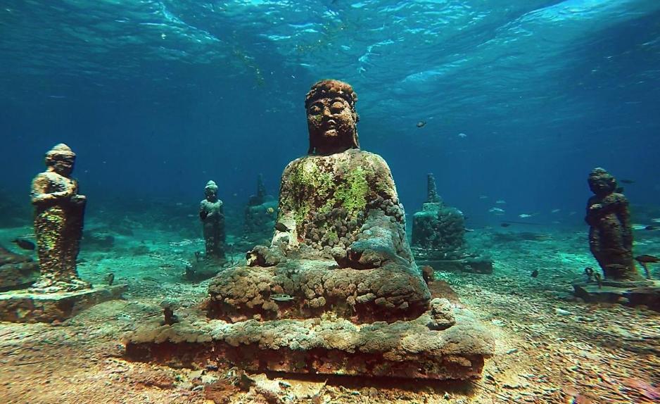 Underwater Temple in Pemuteran  Wandernesia