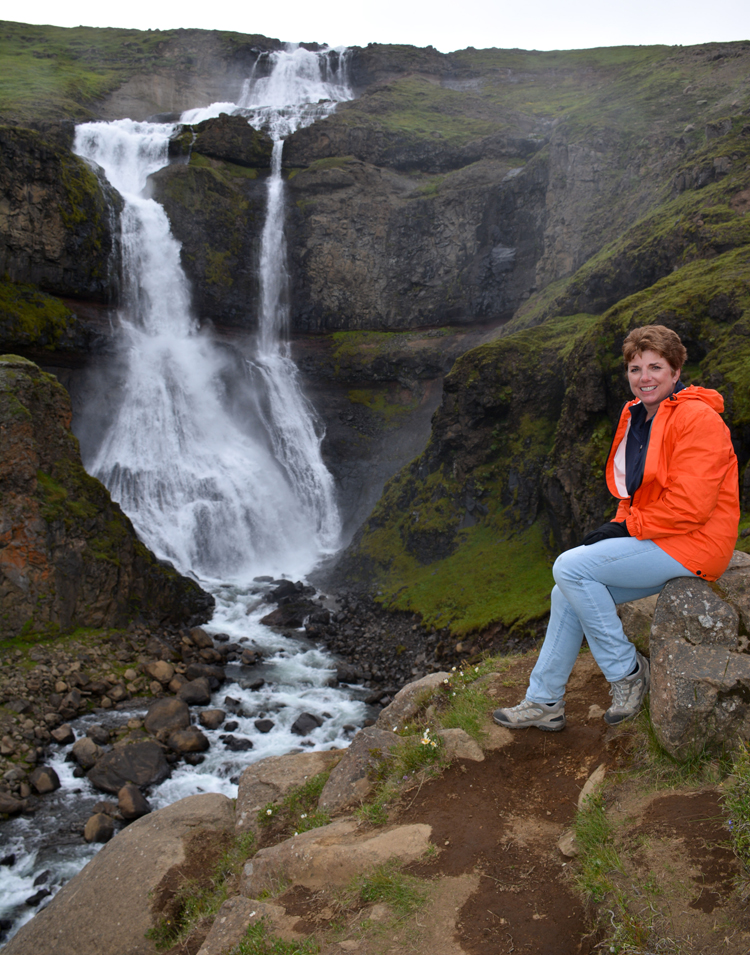 Image of an unnamed waterfall in Iceland