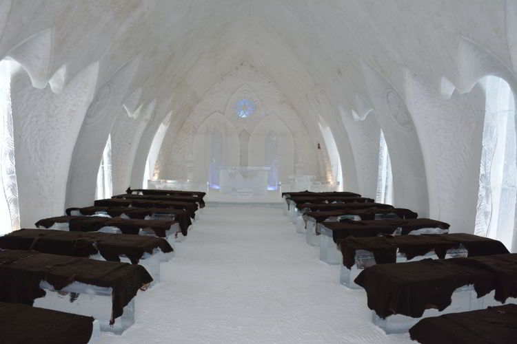 An image of the wedding chapel at Hôtel de Glace i Quebec, Canada - Ice Hotel Quebec
