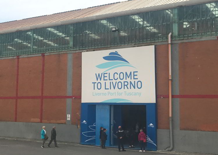 An image of the welcome to Livorno sign at Livorno cruise port.