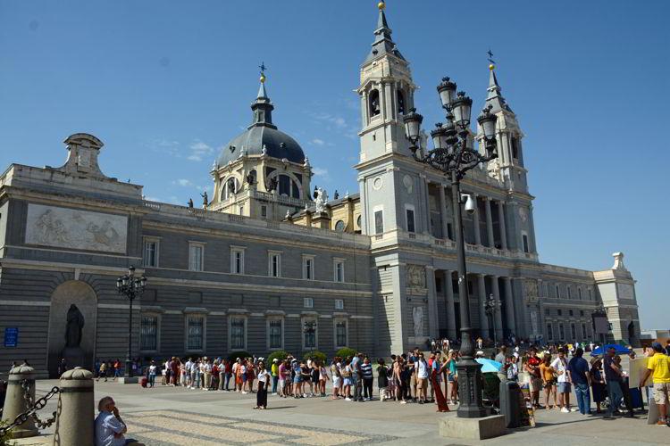 An image of Catedral de la Almudena in Madrid, Spain.