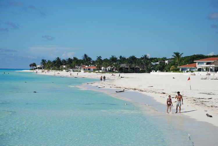 An image of a beach in Cozumel, Mexico