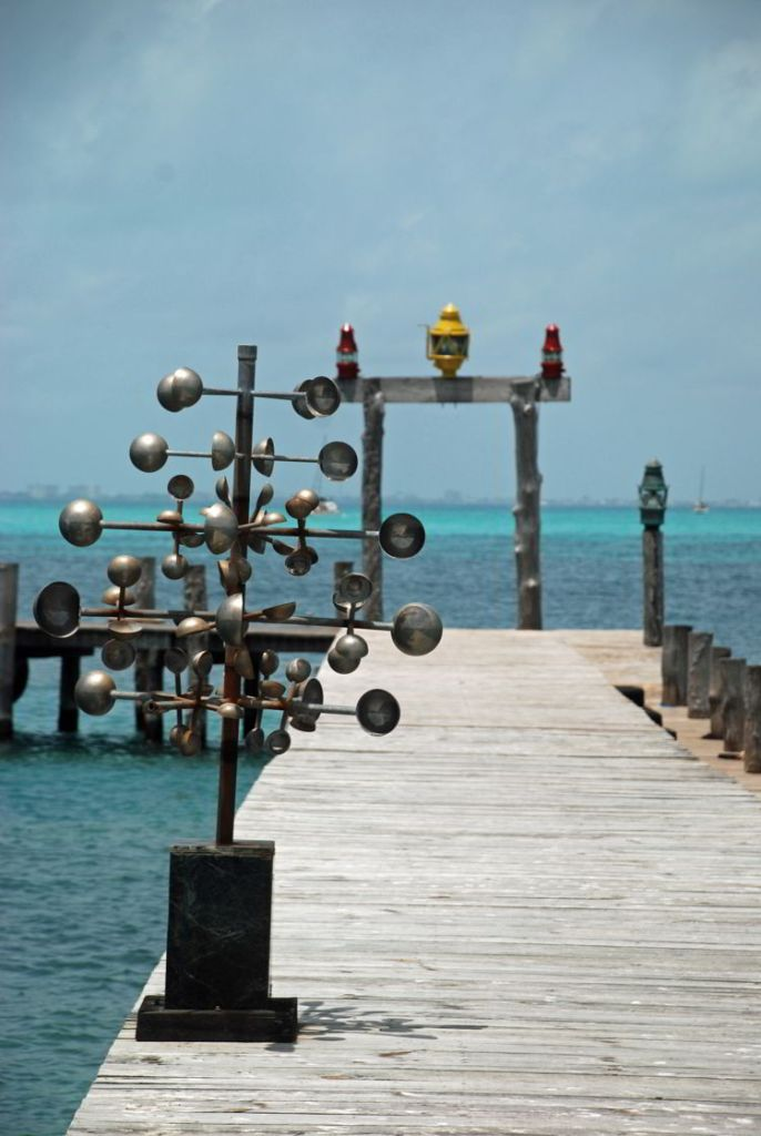 An image of the dock at Captain Dulche on Isla Mujeres