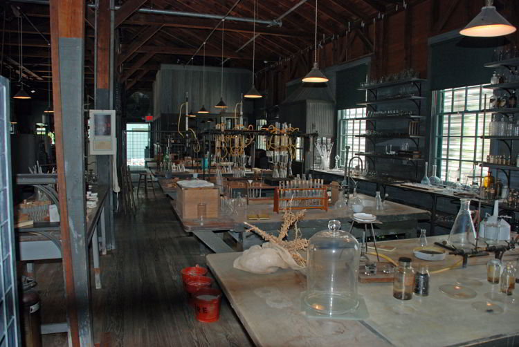 An image of the laboratory in Thomas Edison's winter home in Fort Myers, Florida.